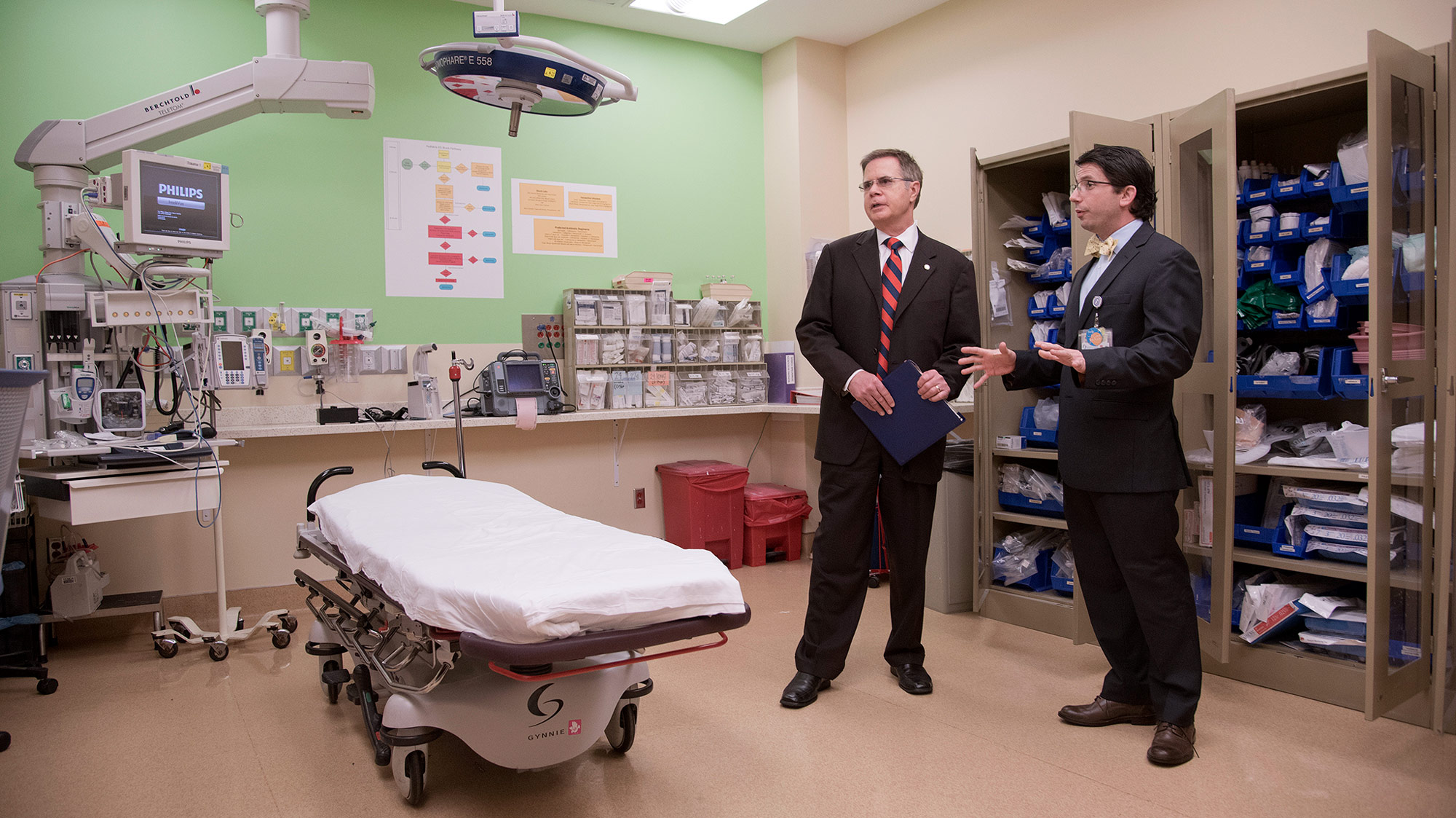 Chancellor Jeff Vitter visits the University of Mississippi Medical Center